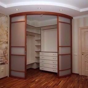 Ремонт гардероба Омск
