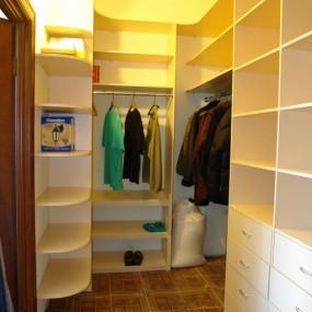 Идеи для ремонта гардеробной